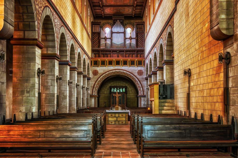 church-4000350_1920