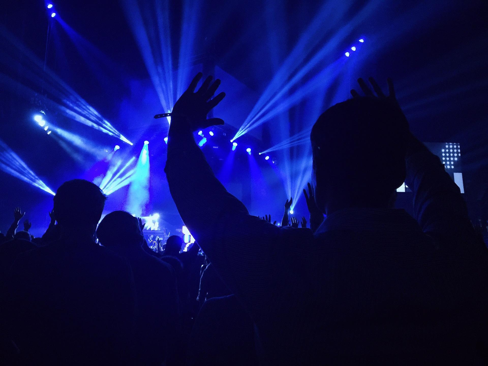 concert-768807_1920