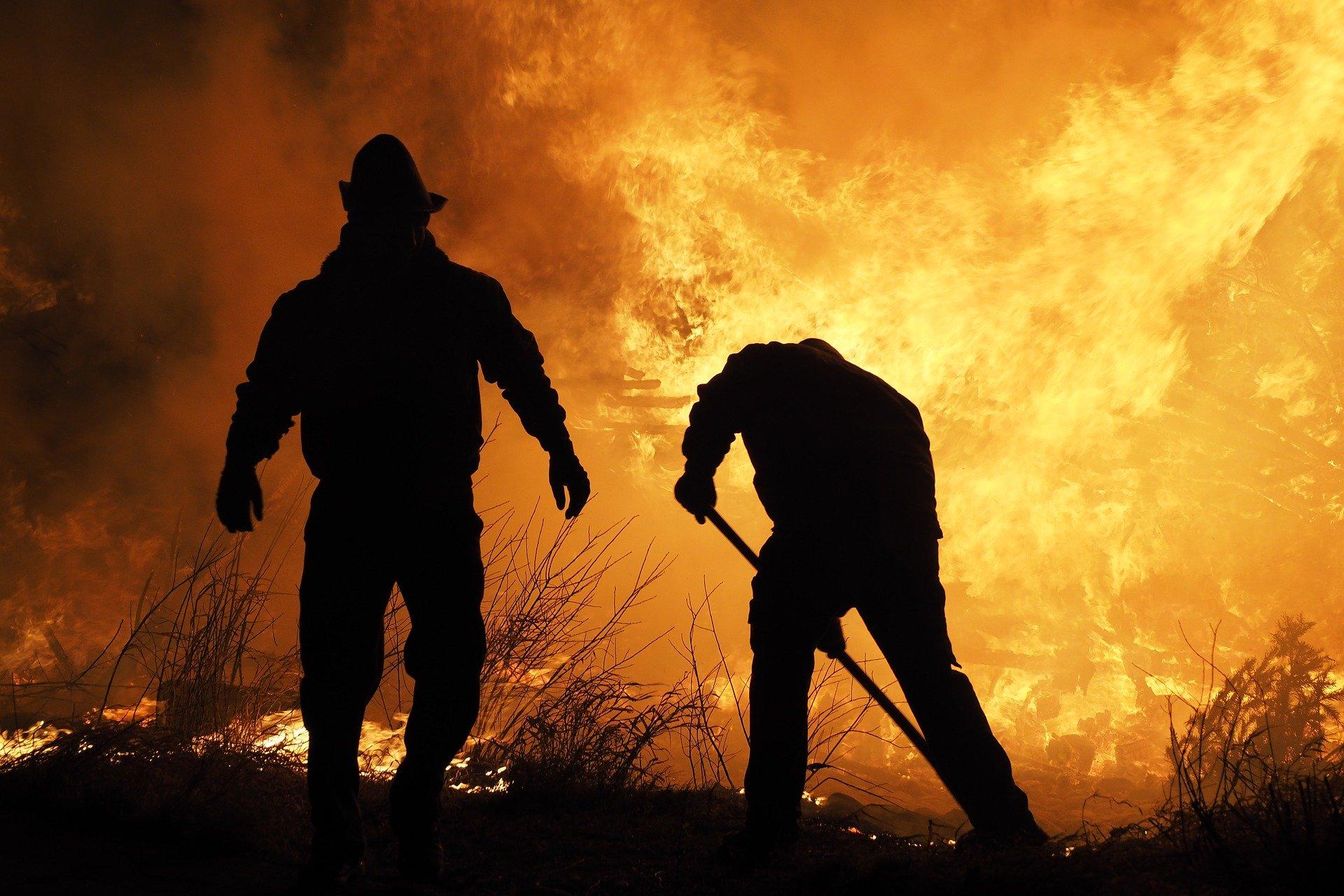 fire-extinguisher-3891361_1920
