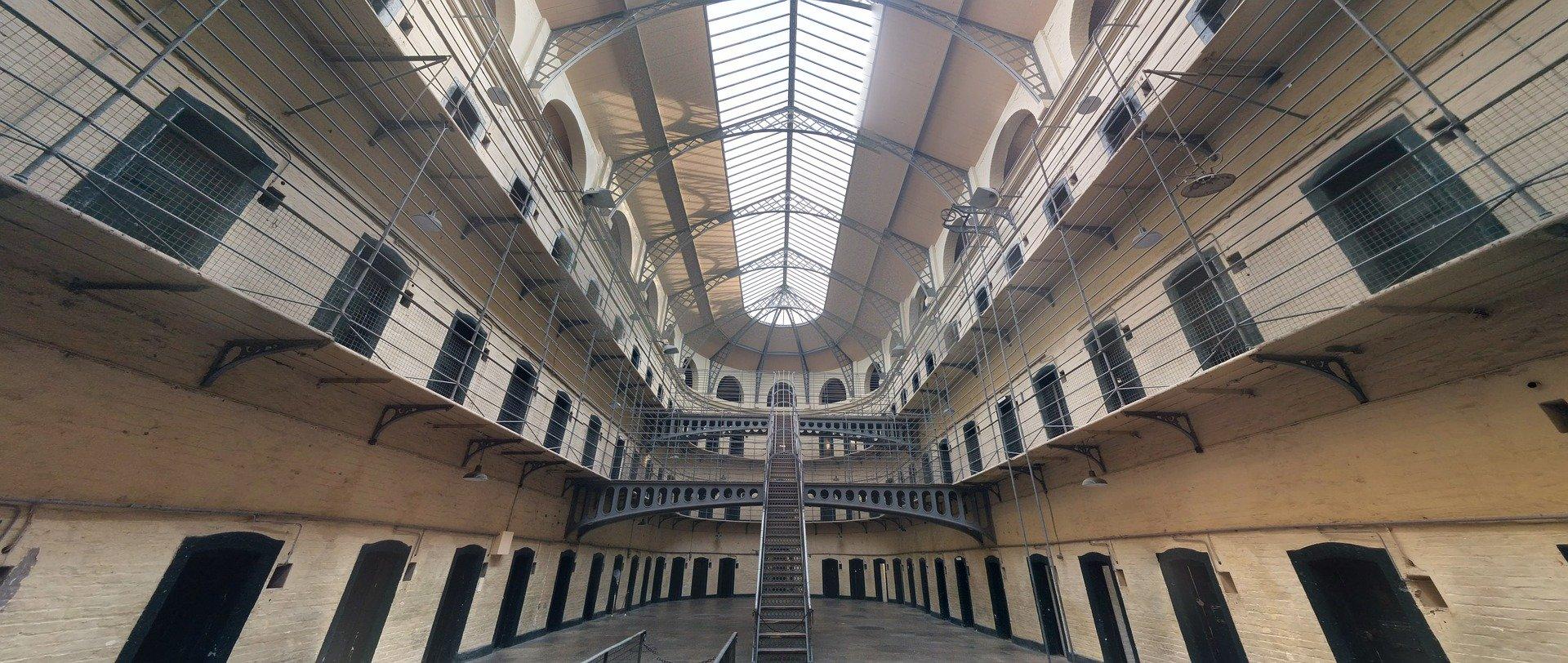 jail-1817900_1920