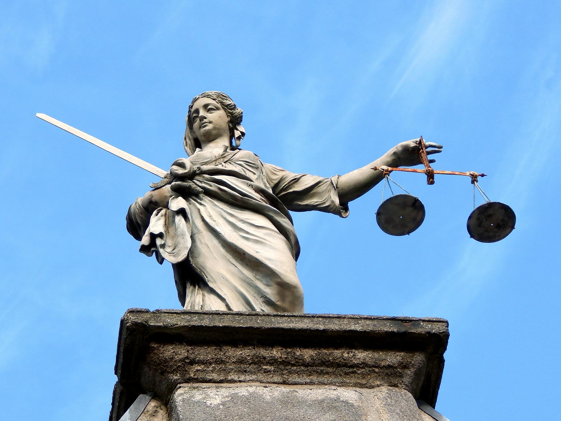 justice-626461_1920