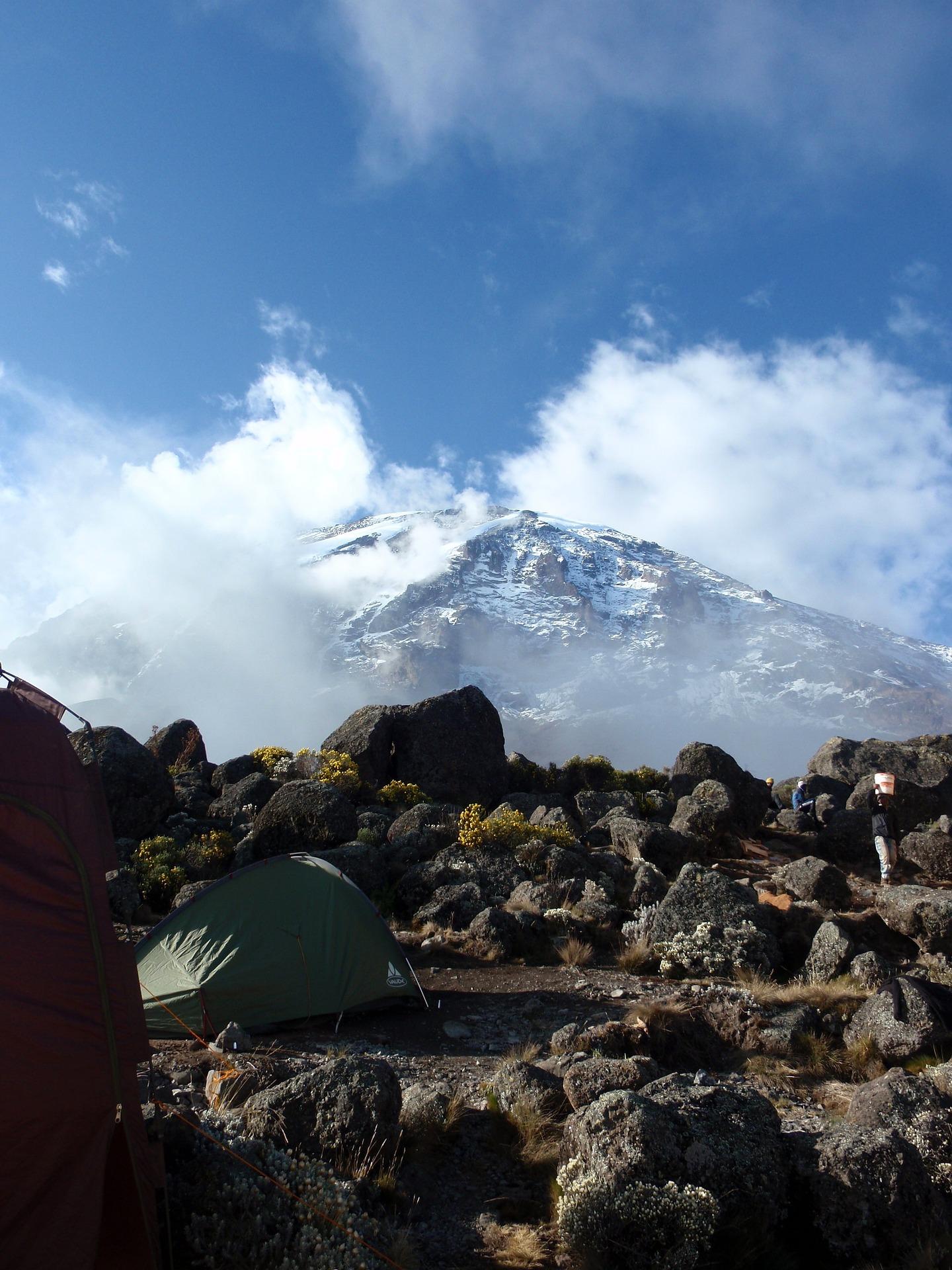 kilimanjaro-944311_1920
