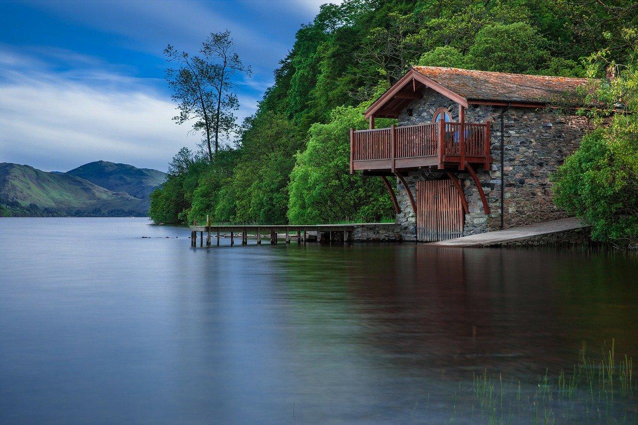 lake-192990_1280