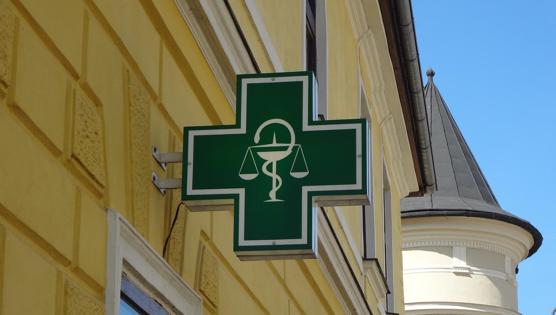 logo-pharmacy-3215049_1920