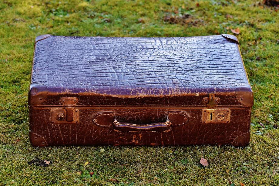 luggage-1897240_1920