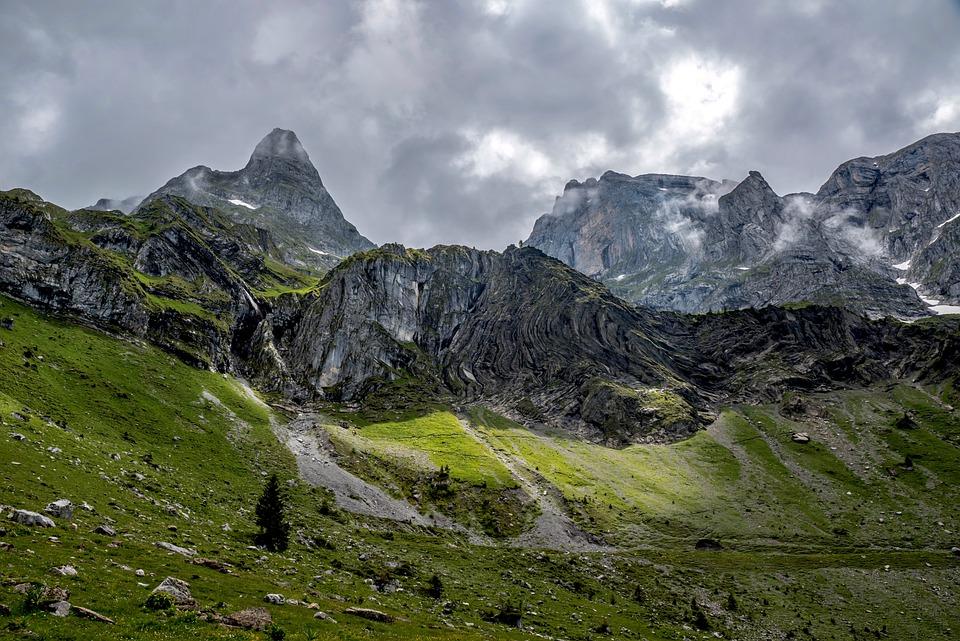 mountains-5333952_960_720