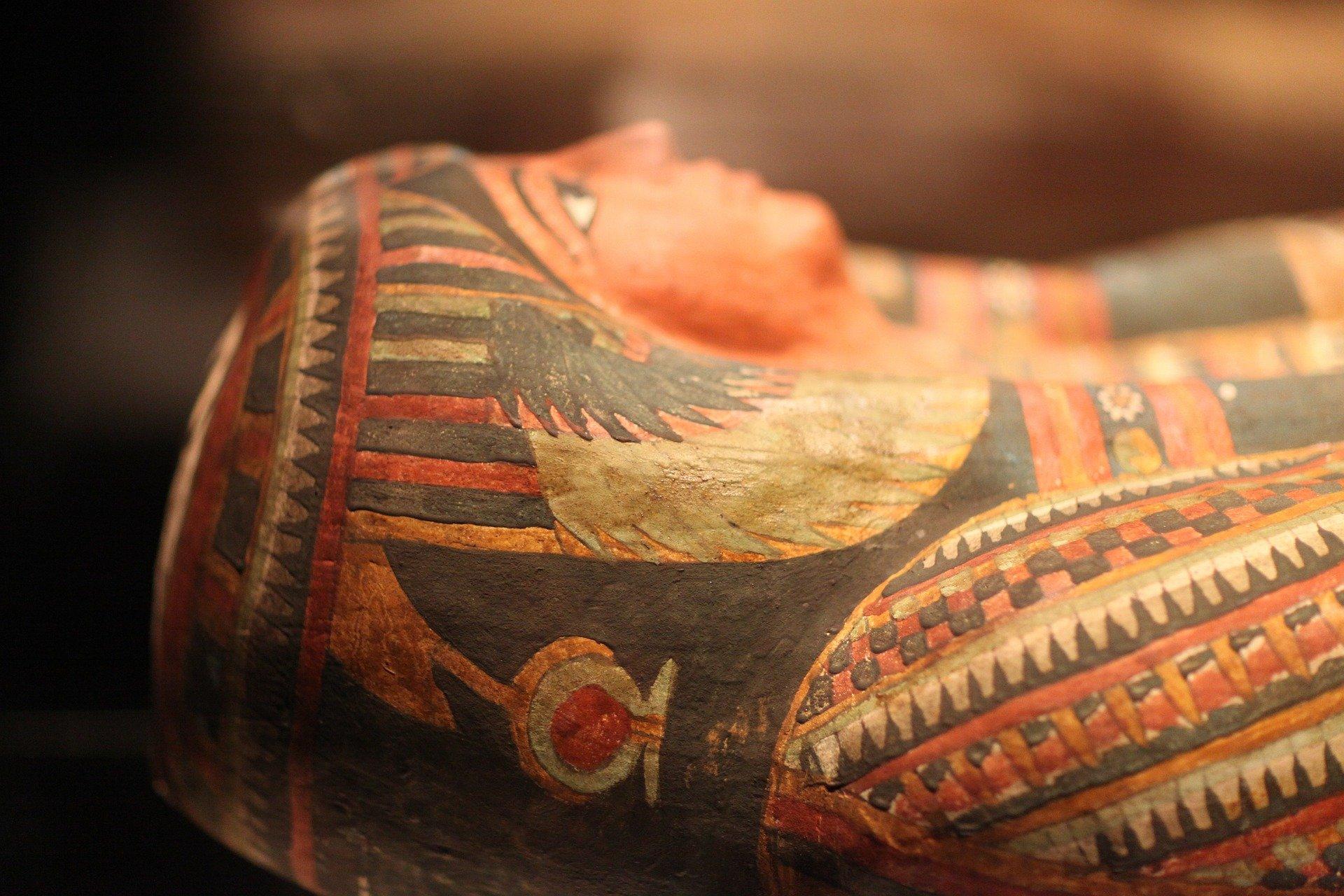 mummy-241965_1920