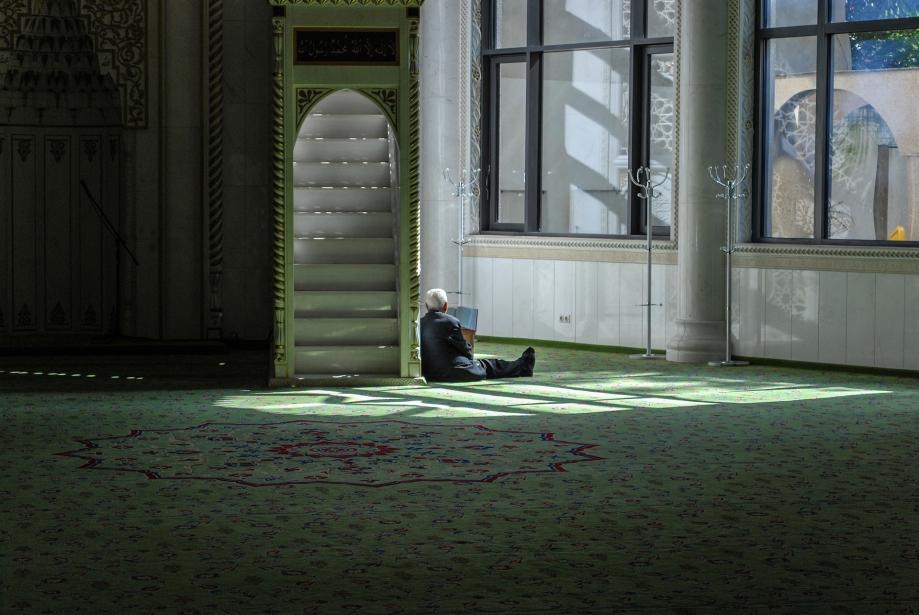 prayer-5069713_1920