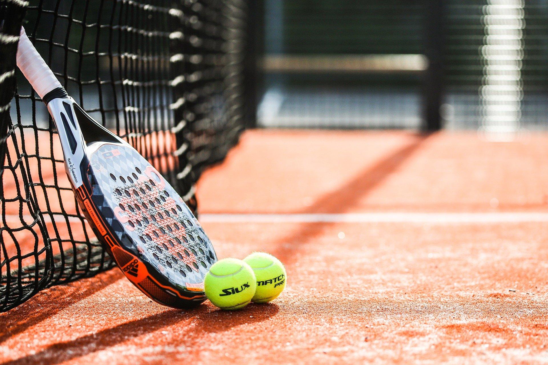 racket-6308994_1920