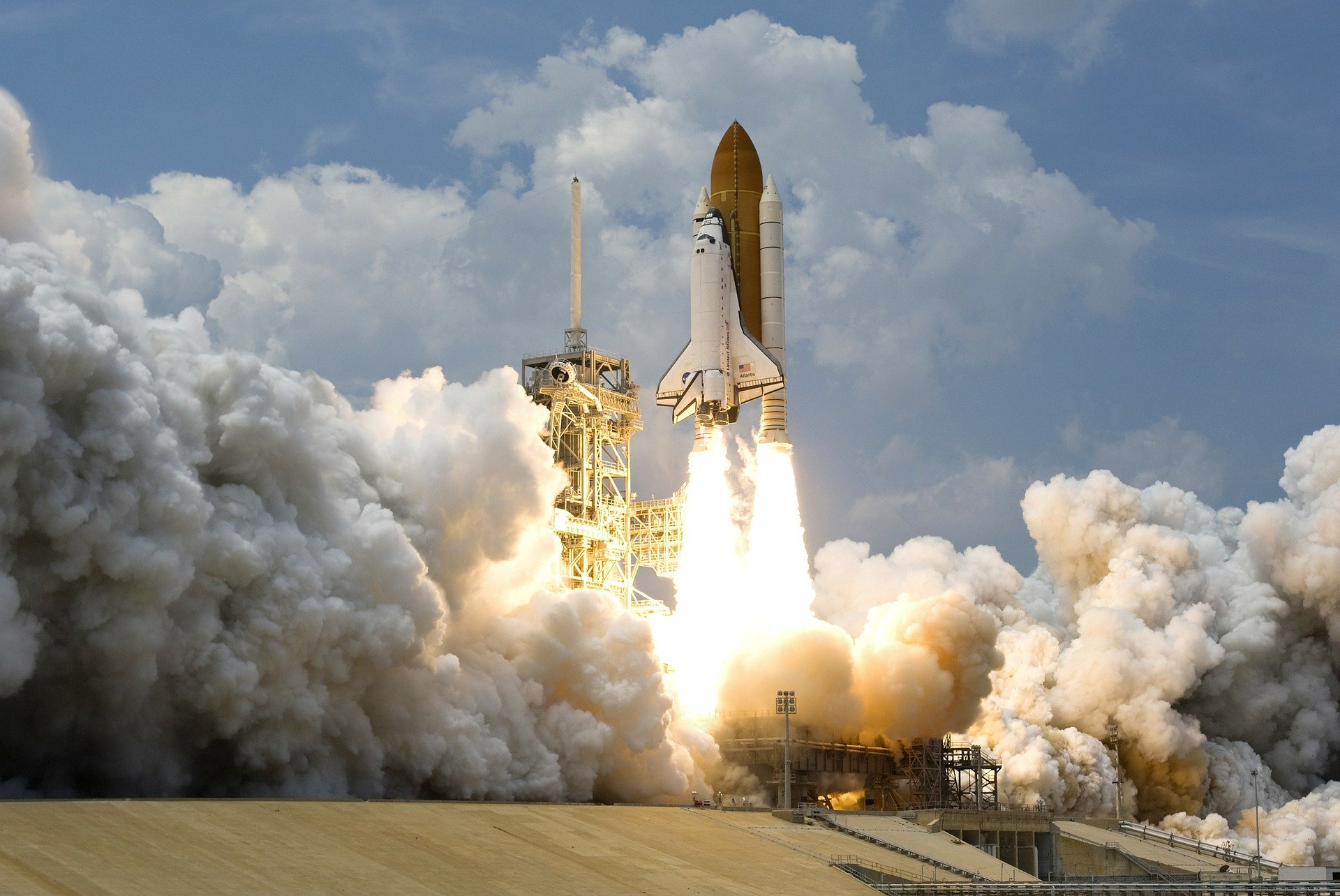 rocket-launch-67643_1920