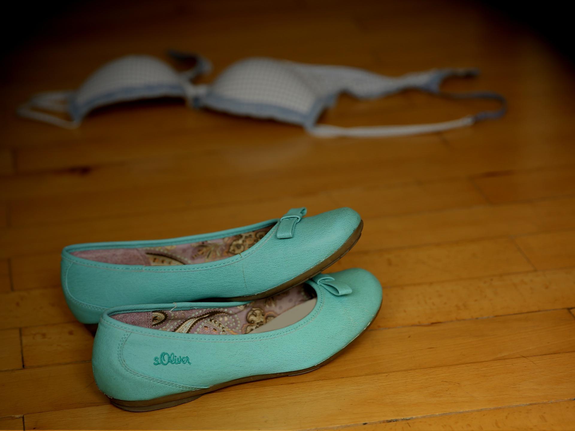 shoes-429944_1920