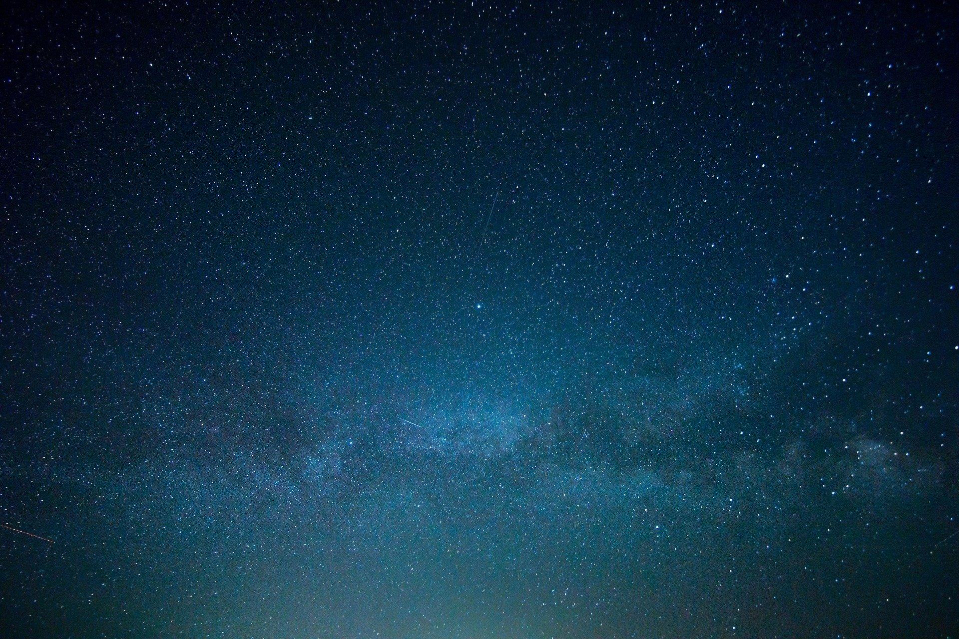 sky-828648_1920