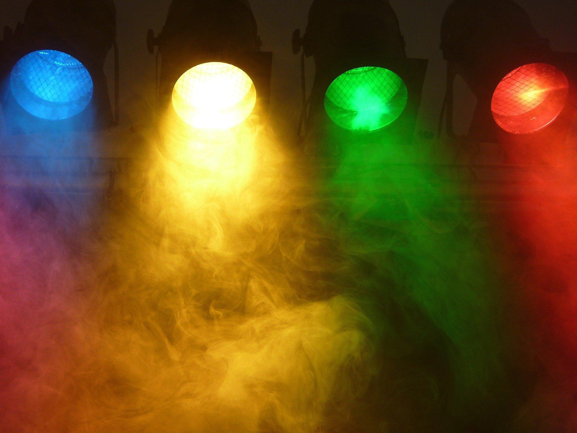 spotlight-802633_1920