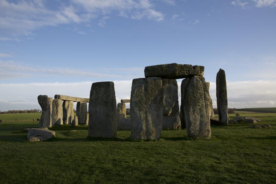 stonehenge-1179242_1920