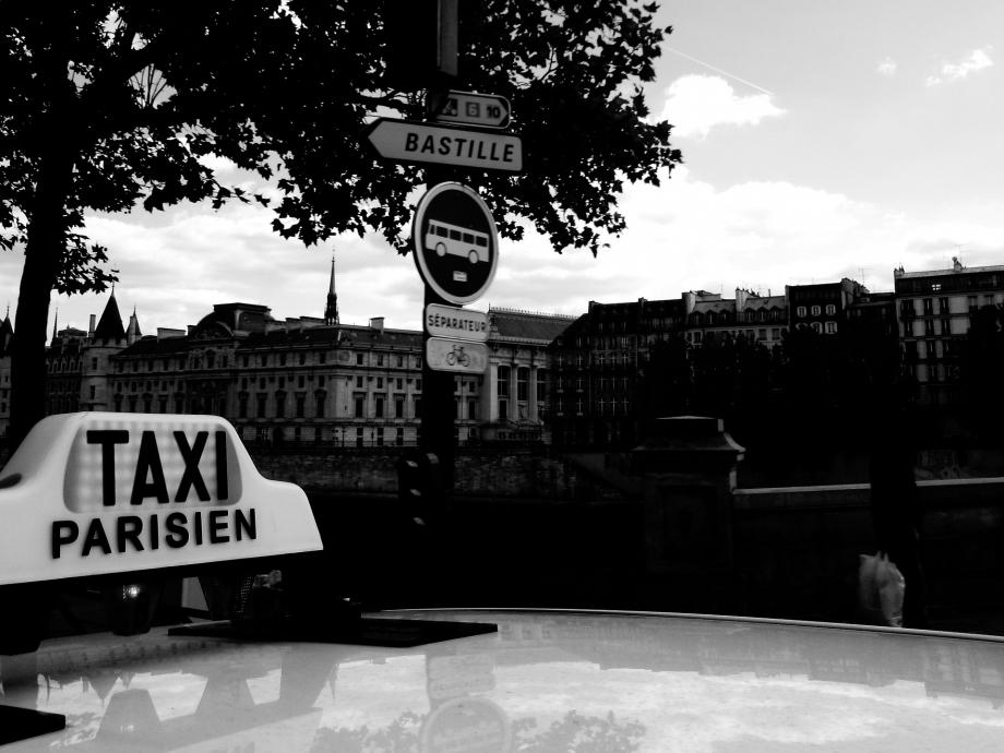 taxi-1130814_1920