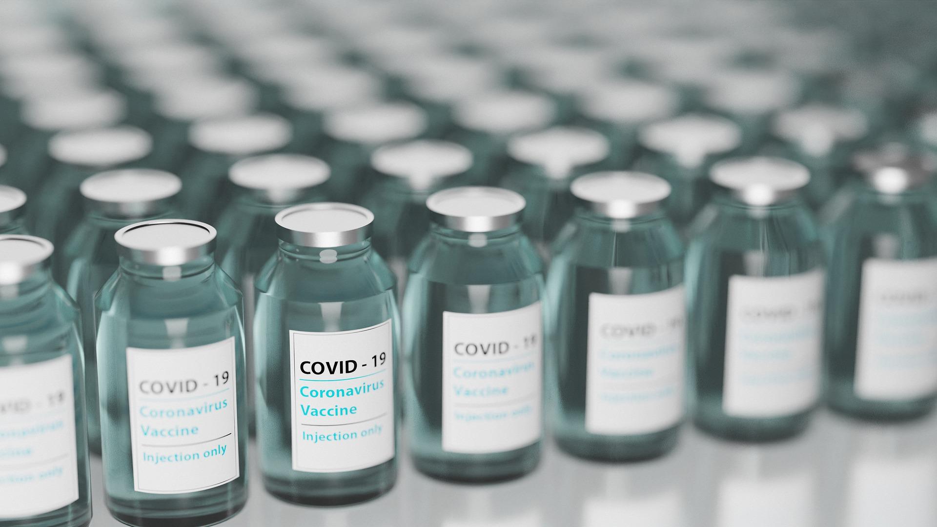 vaccine-5895477_1920