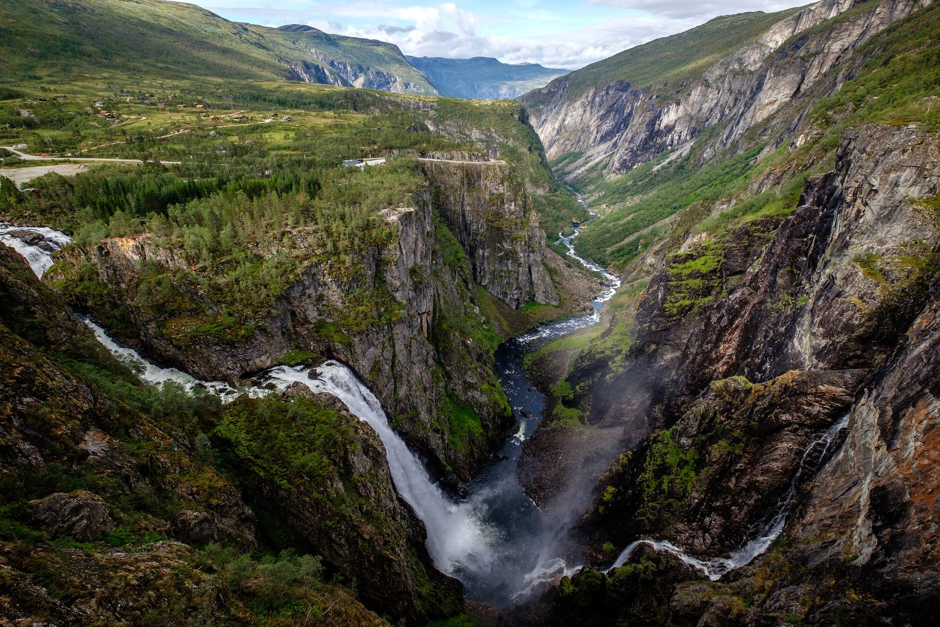 waterfall-3723422_1920