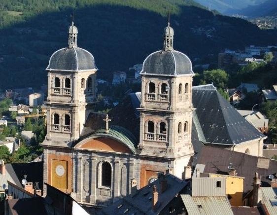 Notre-Dame-et-Saint-Nicolas.jpg