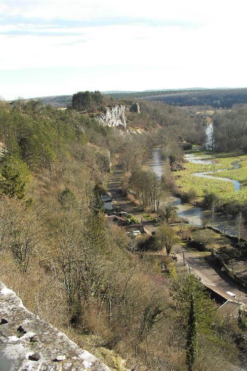 L\'Yonne en crue au pied de Mailly le Chateau