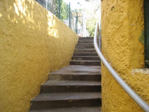 02 escalier qui mêne aux parcours.jpg