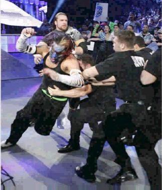 Jeff Hardy qui veut attaquer Edge aprés les Survivor Series