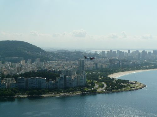 les vols nationaux survolent la ville!