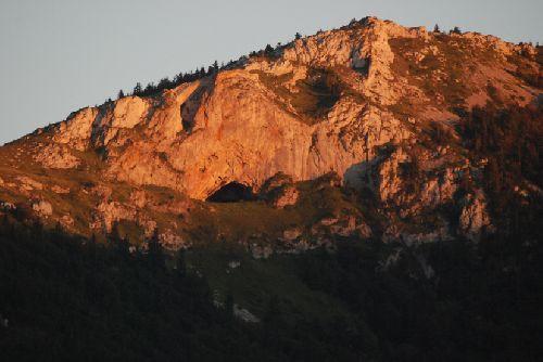 Le dernier endroit de la vallée de Montségur éclairé par le soleil (Ph. Laurent Crassous)