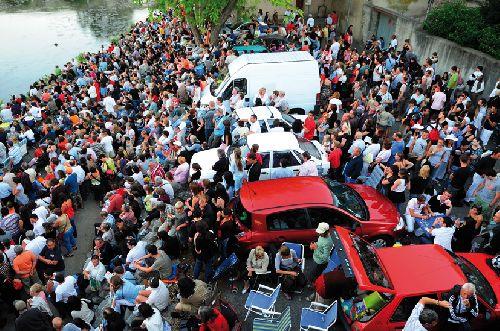 Pour sortir les voitures, il va falloir attendre (Ph. Laurent Crassous)