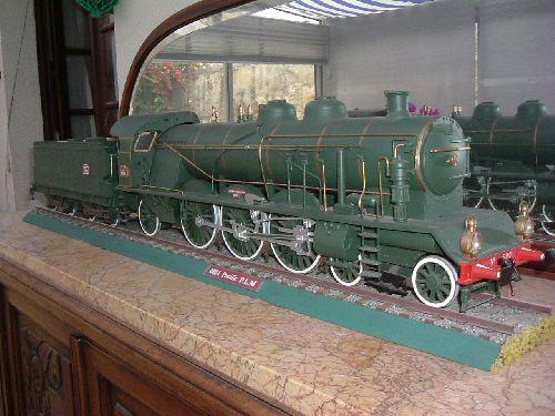 une locomotive tout en bois