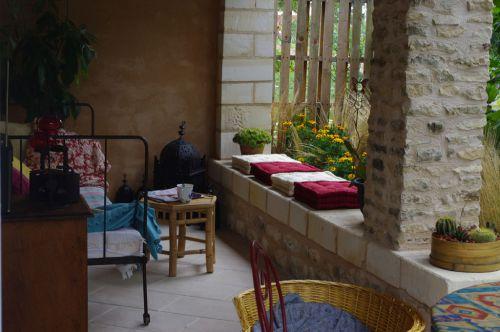 Le thème du patio a été créé avec des pierres de taille