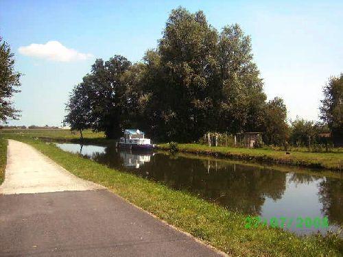 Le canal Ath-Blaton qui traverse Beloeil