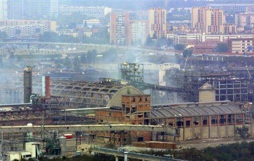Toulouse AZF 2001-2.jpg