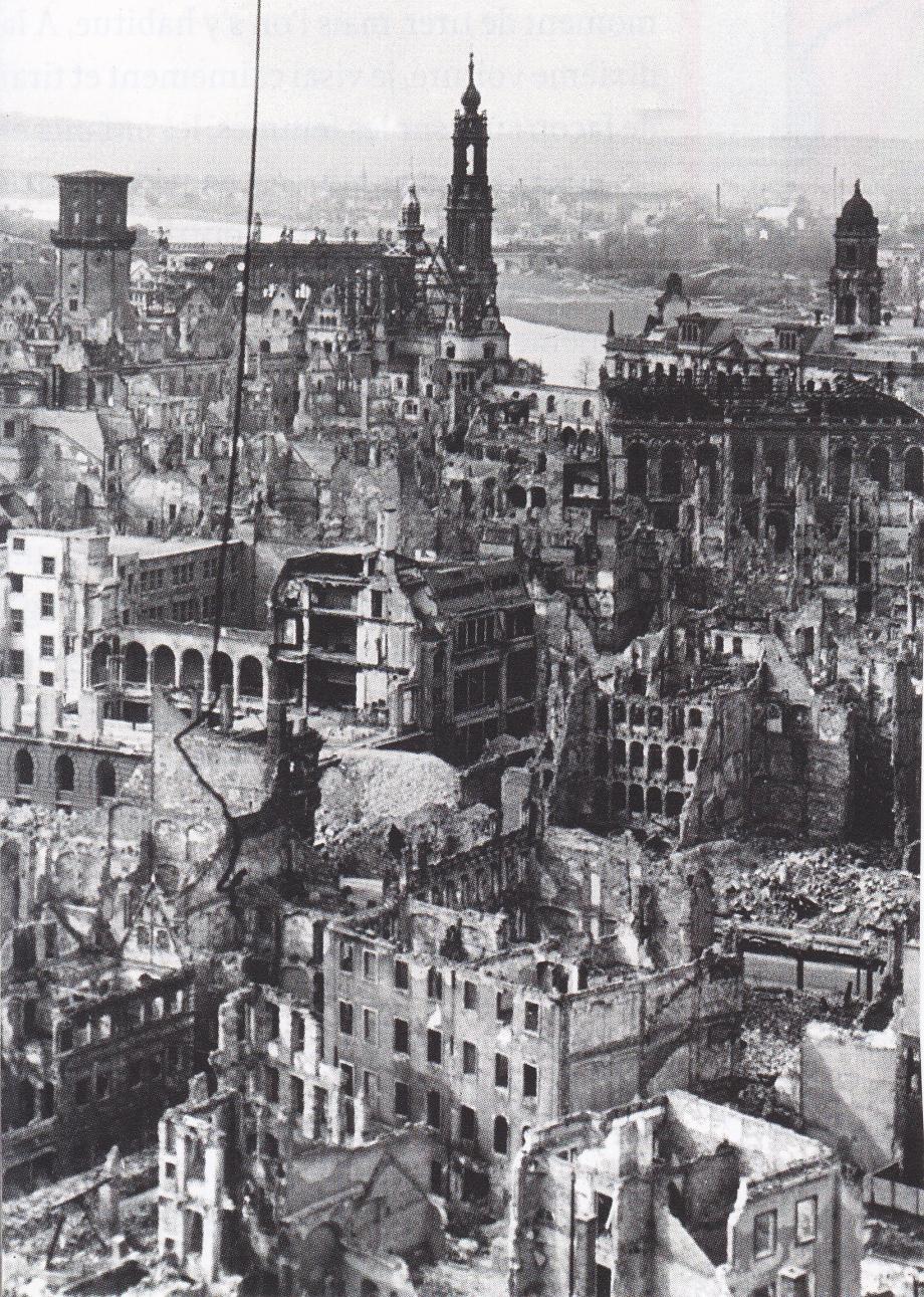 Dresde. Bombardement 1945.jpg