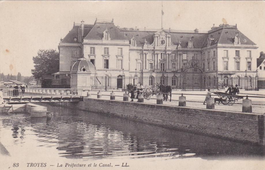 10. Troyes LL 83-1.jpg