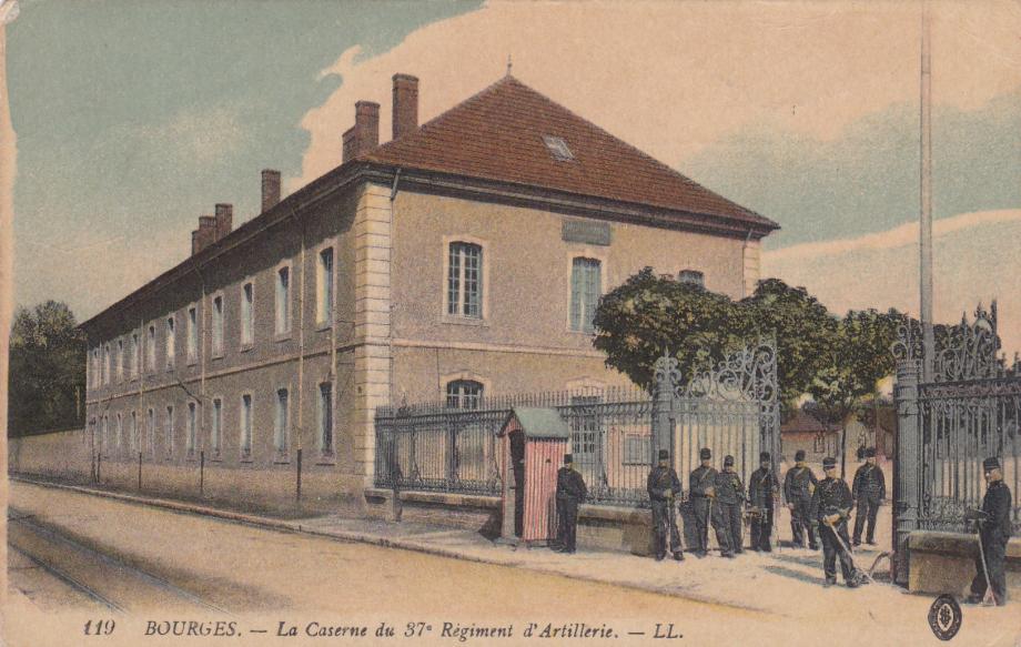 18. Bourges LL 119-2.jpg