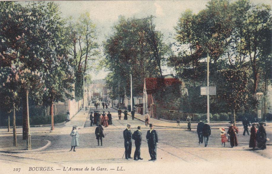18. Bourges LL 107-2.jpg