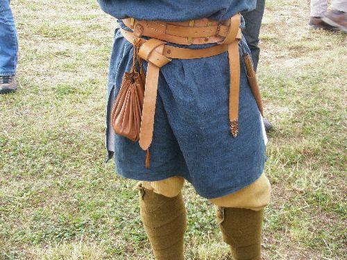 Vêtement et ceinture de cuir