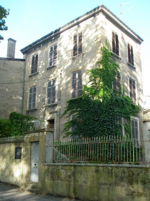 La maison du docteur Dugoujon