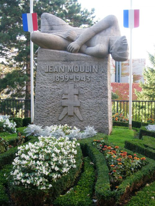 Le fusillé. Statue de Jean Moulin.