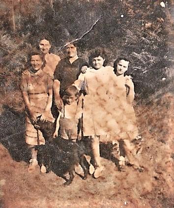 Mme Danne et ses enfants.jpg