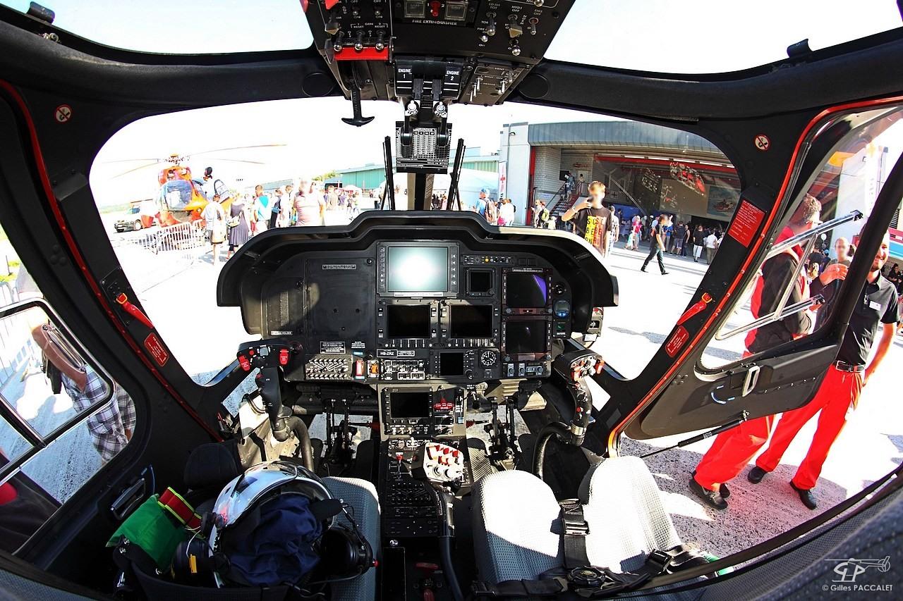 HB-ZRZ_Agusta-AW109SP-cn22204-8950-.JPG