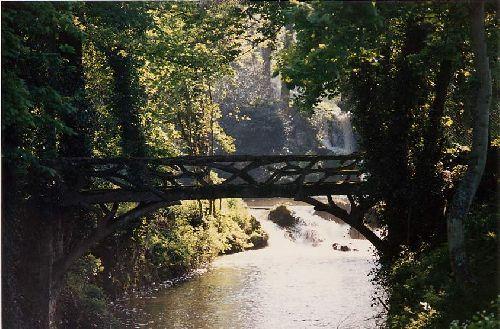 D'un pont, s'unissent