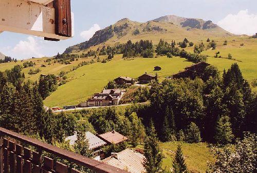Le Mont Lachat de Chatillon 2100m vu du village du Chinaillon (les Alpes-Haute Savoie-France)