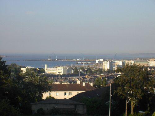 Vue partielle de la rade de Cherbourg (Est)