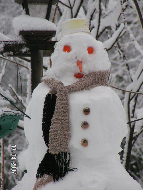 Bonhomme de neige Québecois, svp! (Joliette-Québec) copyright Malou