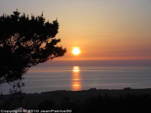 Coucher de soleil le 18 avril 2010 à Vauville_1  (Cotentin - Normandie - France)