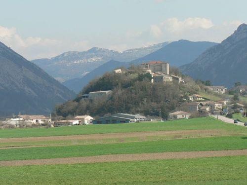 Le village de Montmaur