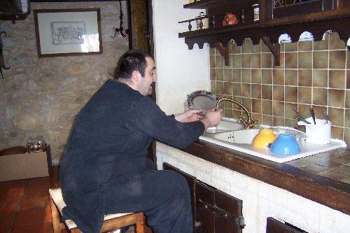 Vaisselle du dimanche matin...... Assis s\'il vous plait !!  ;-)