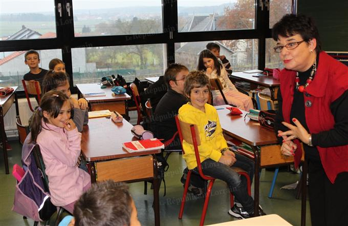 auteurs-lorrains-face-a-leurs-lecteurs 30 novembre 2011.jpg