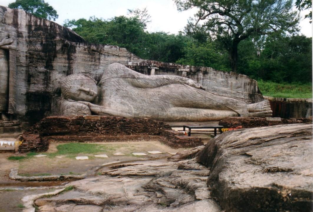 Bouddha couché (Copier).jpg